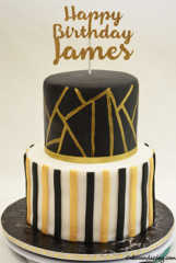 Abstract Lines And Stripes Theme Cake #blackwhiteandgoldcake #ediblegoldabstractlines #goldbirthdaytopper