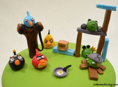 Angry Birds Kids Bday Theme Cake With Redangrybird Chuckangrybird Angrybirdspigs Angrybirdsblues Bombangrybird 02