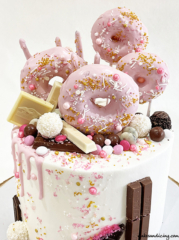 Donuts Drip And Sprinkle Cake #donutcake #chocolate #sprinkles #candymelts #whitechocolatedripcake #donuts 02