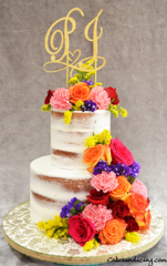 Semi Naked Vintage, Chic And Rustic Cakes Filled With Fresh Flowers #seminakedcake #freshflowers #rusticcake #dripcake #carameldrip 08